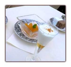 Oranges fraîches à la menthe, Espuma de Yaourt grec au miel